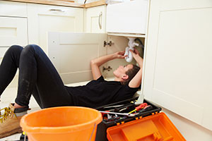 WaterSafe Calls for More Female Plumbers to Take Up Their Tools